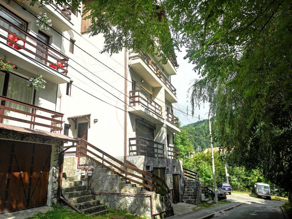 Apartament 3 camere decomandat cu garaj in vila Sinaia 12
