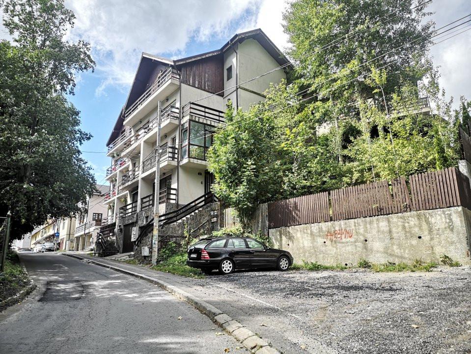 Apartament 3 camere decomandat cu garaj in vila Sinaia 14