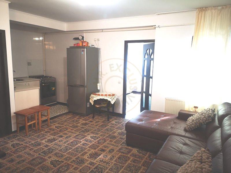 Apartament 3 camere decomandat cu garaj in vila Sinaia 7