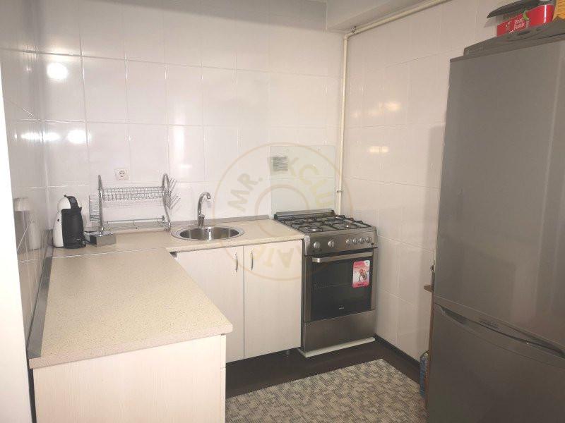Apartament 3 camere decomandat cu garaj in vila Sinaia 8