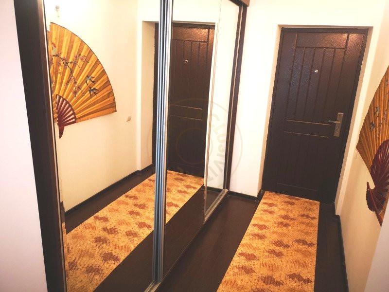 Apartament 3 camere decomandat cu garaj in vila Sinaia 10