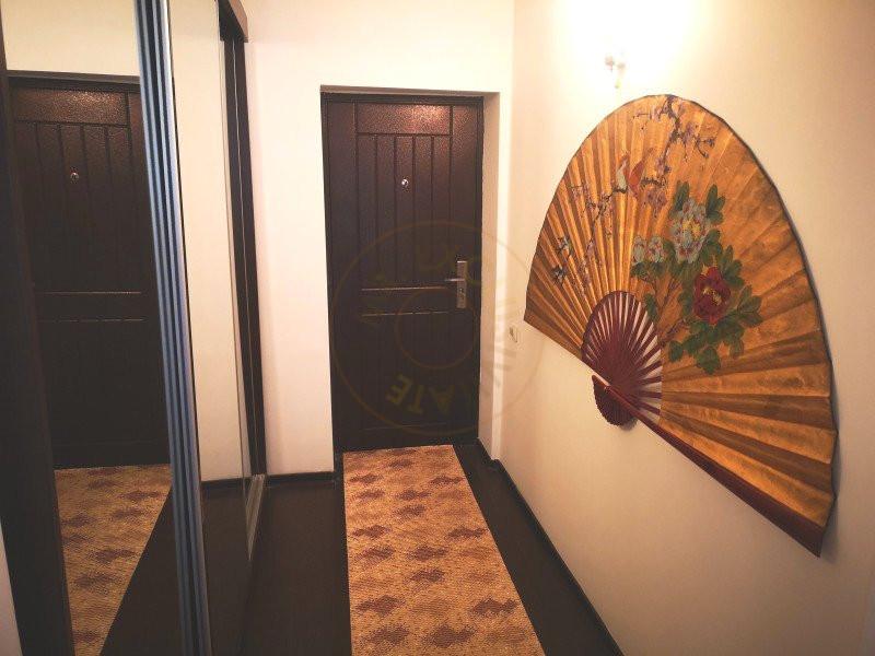 Apartament 3 camere decomandat cu garaj in vila Sinaia 11