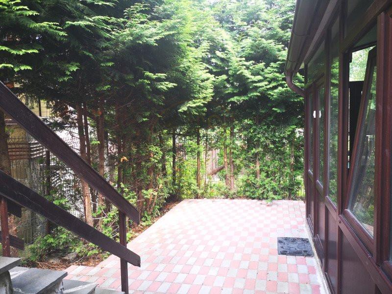 Apartament 3 camere decomandat cu garaj in vila Sinaia 15