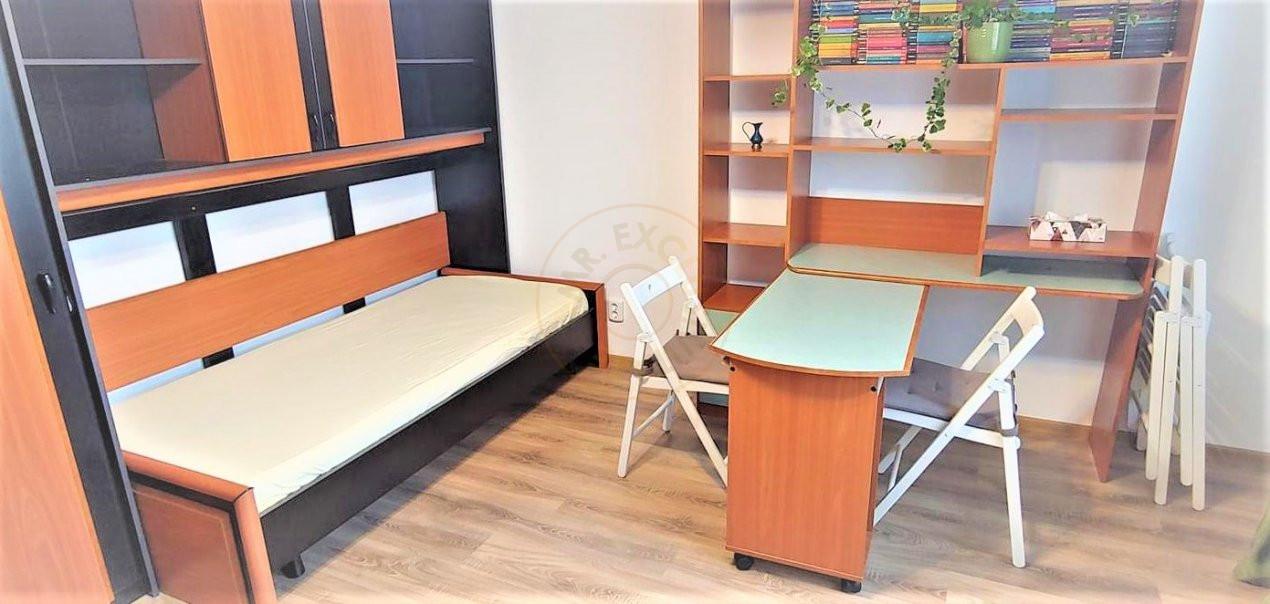 De inchiriat apartament 3 camere decomandat Romprim 6