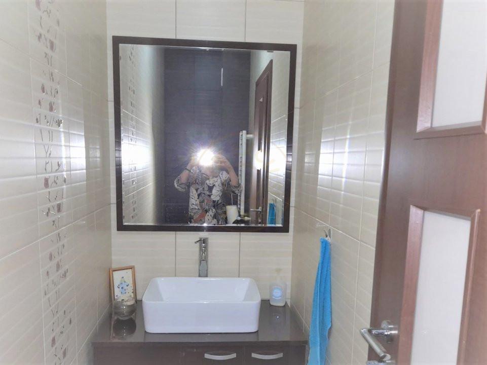 De inchiriat apartament 3 camere decomandat Romprim 10