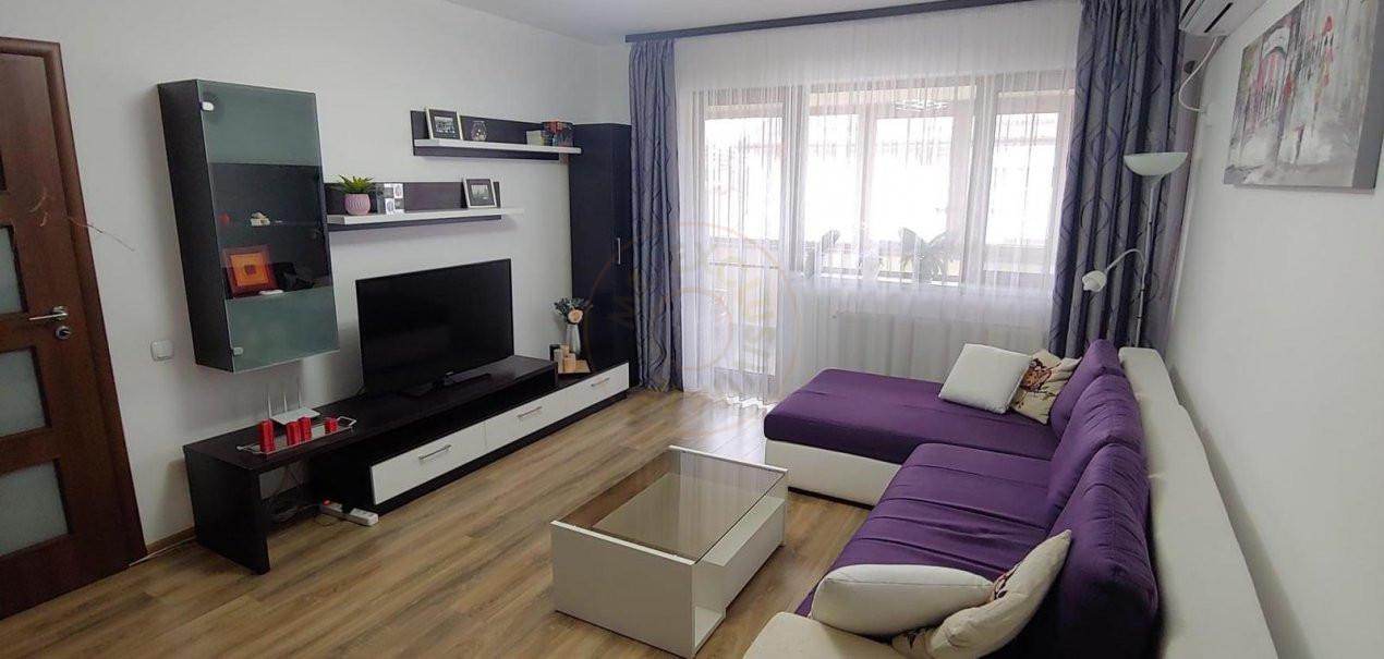De inchiriat apartament 3 camere decomandat Romprim 1