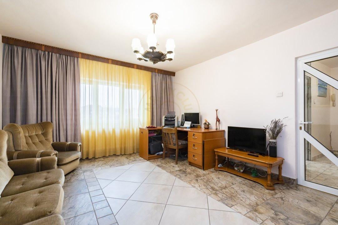 Apartament de vanzare in zona Vitan 2