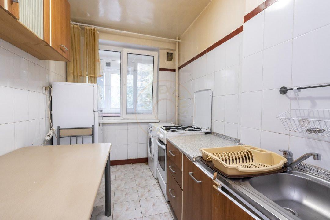 Inchiriere/Apartament 3 camere/ Maior Coravu 10