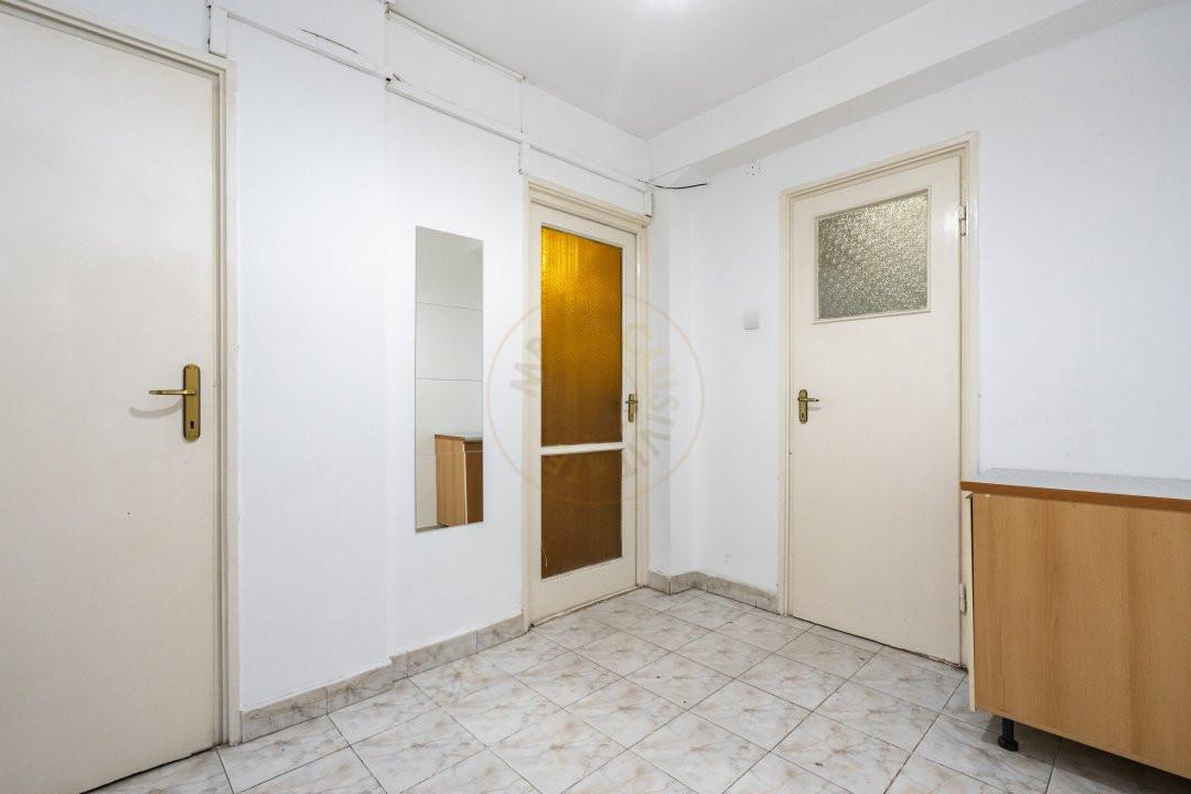 Inchiriere/Apartament 3 camere/ Maior Coravu 13