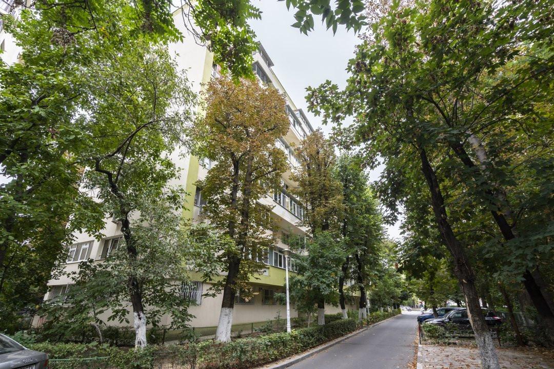 Inchiriere/Apartament 3 camere/ Maior Coravu 17