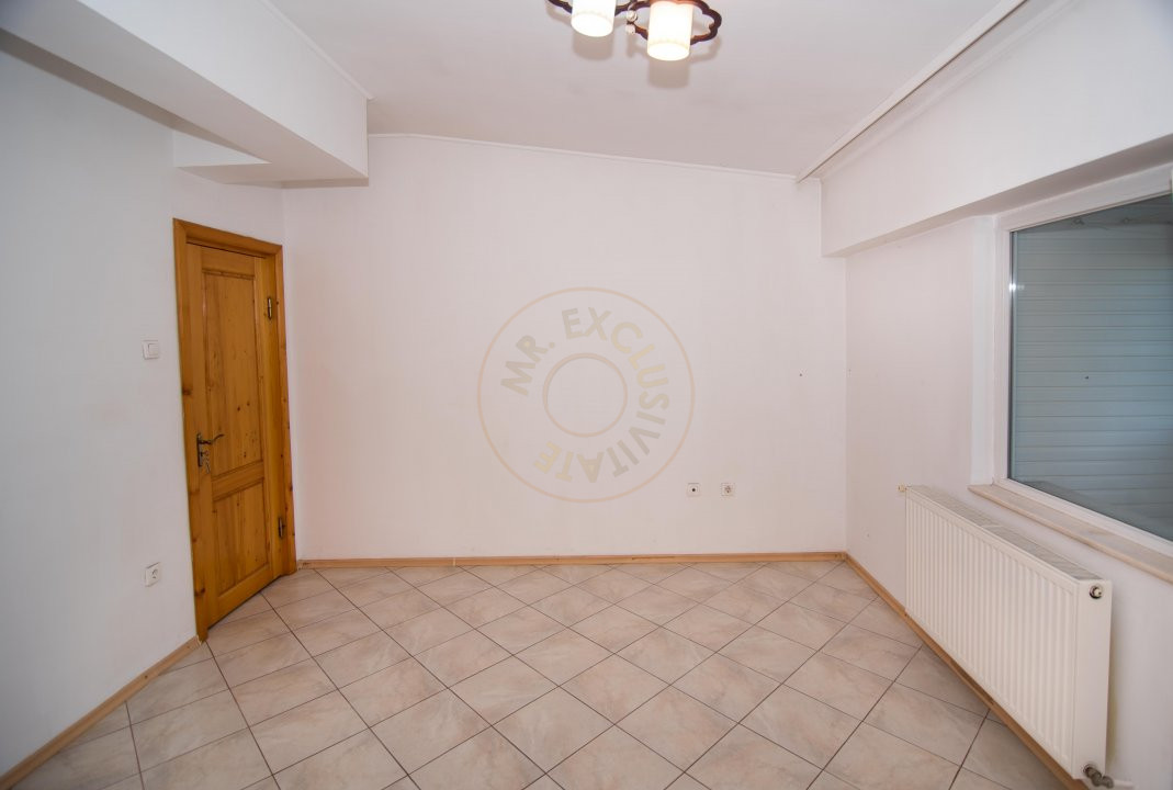 Apartament 3 camere,Bulevardul Petrochimistilor  3