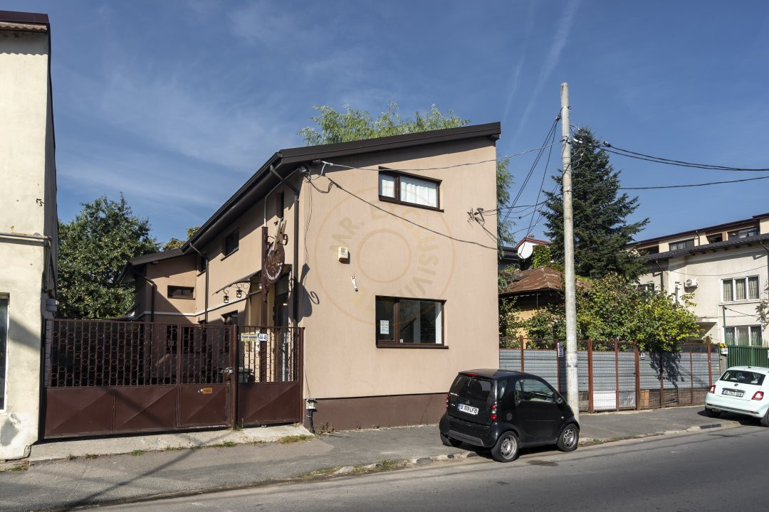 De Inchiriat - Casa 5 camere - 170 mp utili - Semanatoarea 15