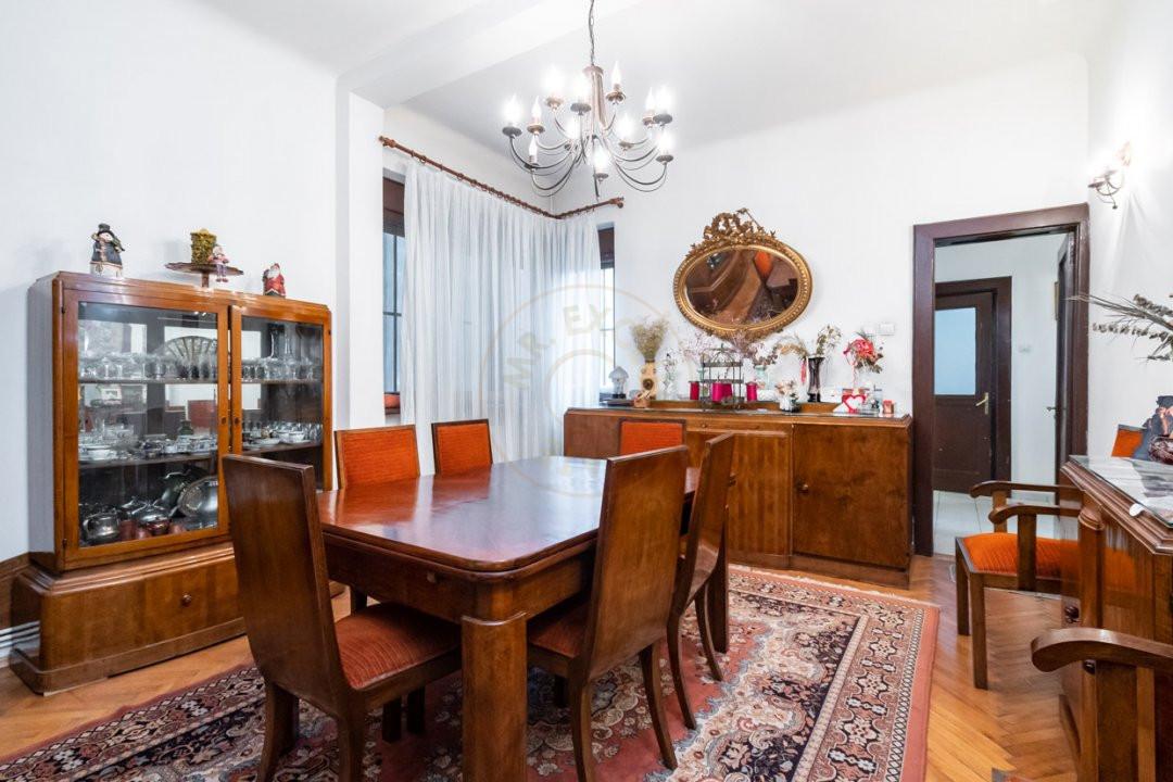 Apartament de 5 camere si garaj de vanzare- Mantuleasa 2