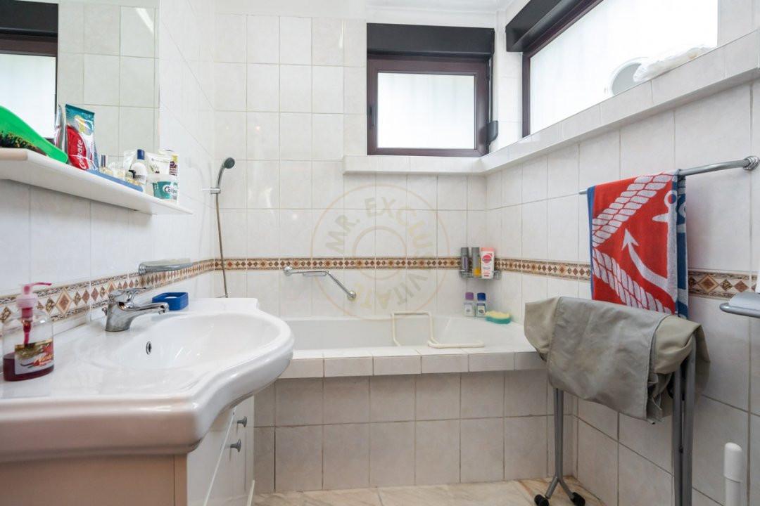Apartament de 5 camere si garaj de vanzare- Mantuleasa 9