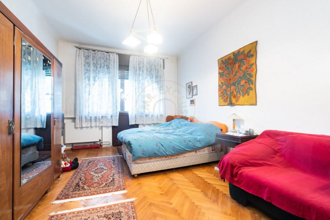 Apartament de 5 camere si garaj de vanzare- Mantuleasa 11