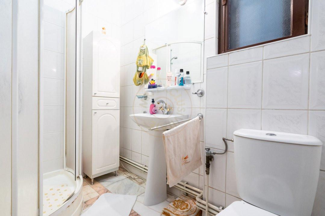Apartament de 5 camere si garaj de vanzare- Mantuleasa 13