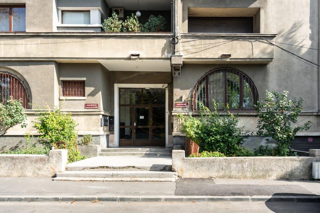 Apartament de 5 camere si garaj de vanzare- Mantuleasa 17