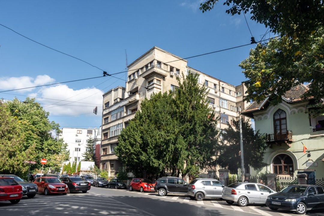 Apartament de 5 camere si garaj de vanzare- Mantuleasa 18