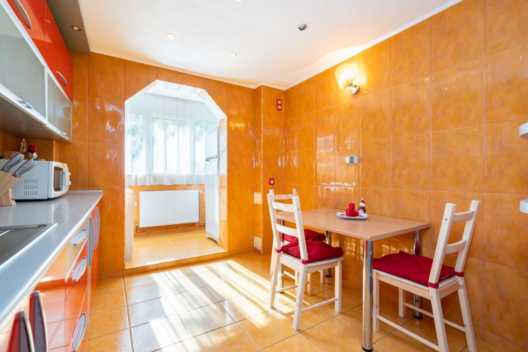 Apartament de 3 camere de inchiriat-Colentina 11