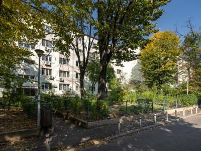 Apartament de 3 camere Parc Al.I Cuza-Baba Novac, de vanzare