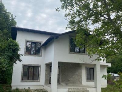 COMISION 0% Casa Stefanesti  Valea Mare  4 camere