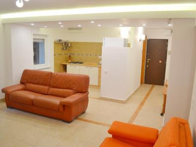 De vanzare - Apartament cu 2 camere Decebal