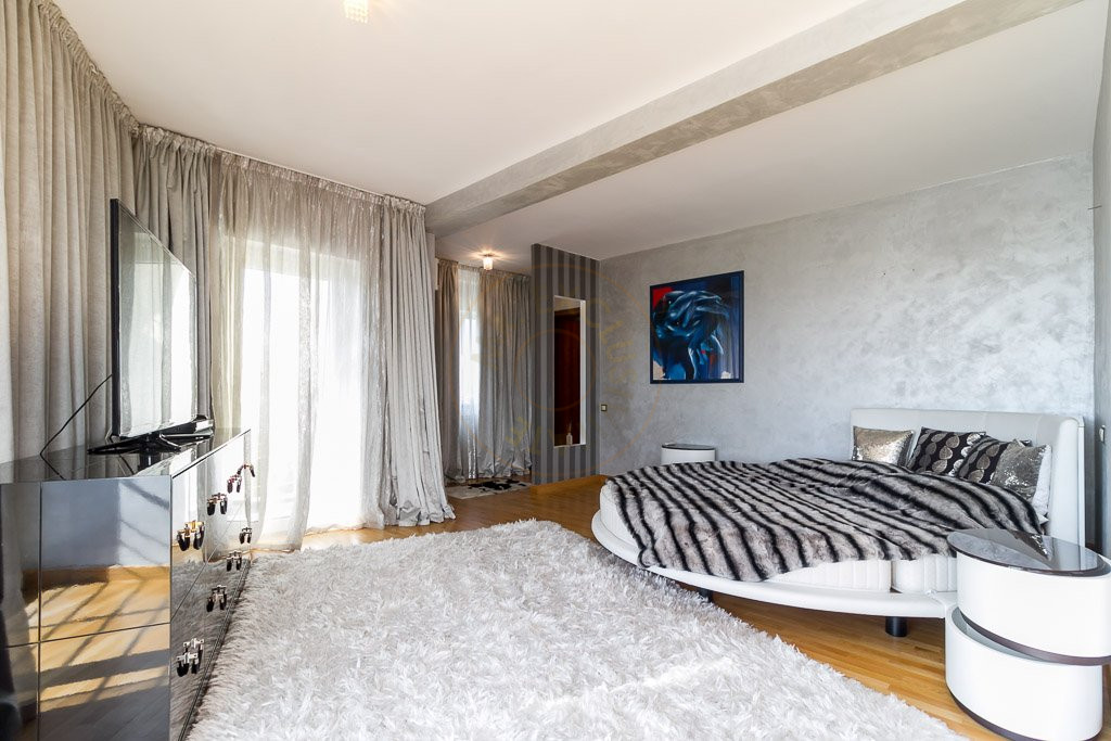 Amazing Lake View - 196sqm, 3 room apartment, Herastrau -Nordului 14