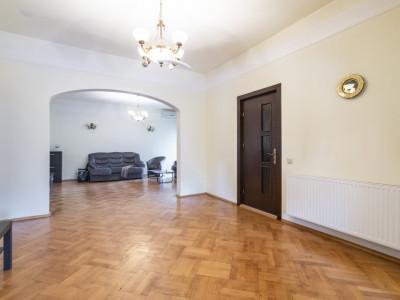 Apartament de vanzare intr-o zona linistita in ultracentralul Bucurestiului