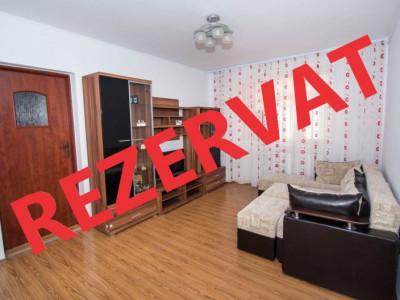 Apartament 3 camere semidecomandat Calea Bucuresti