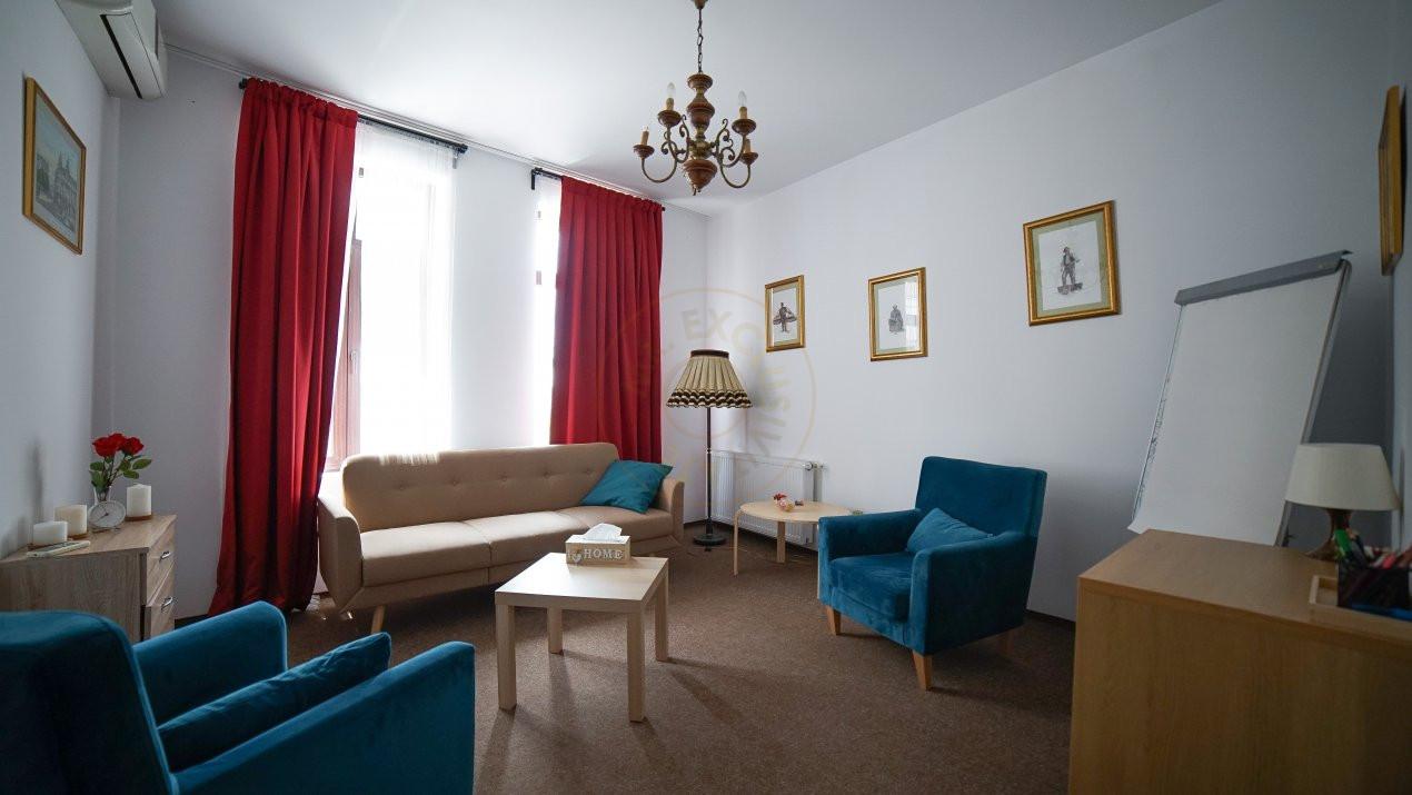 Pretabil investitie -  hotel, clinica, rezidential la Palatul Parlamentului 14