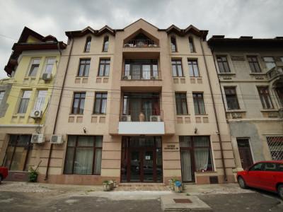 Pretabil investitie -  hotel, clinica, rezidential la Palatul Parlamentului