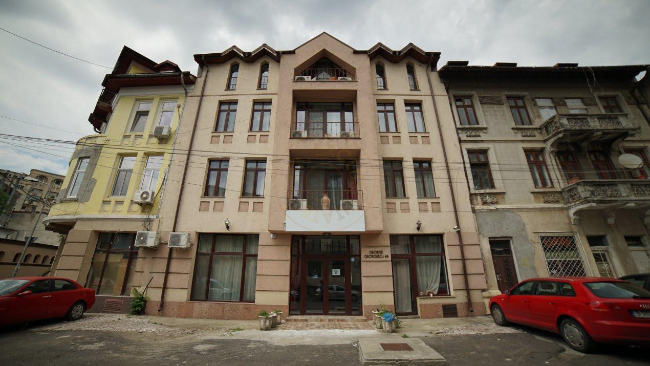 Pretabil investitie -  hotel, clinica, rezidential la Palatul Parlamentului 1