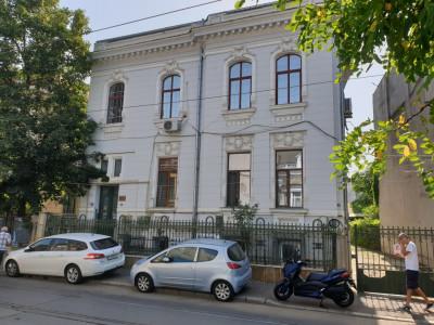 Apartament de vanzare intr-o vila interbelica din ultracentralul Bucurestiului