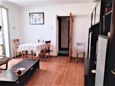 De vinzare apartament 3 camere semidecomandate Bucur Obor