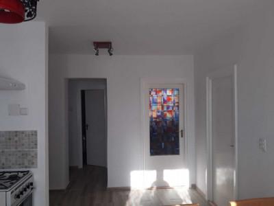 De vânzare apartament 2 camere semicentral