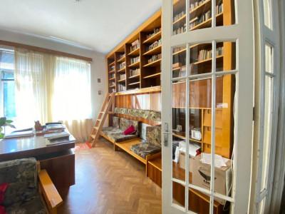 Apartament luminos 4 camere,134mp, vila interbelica renovata